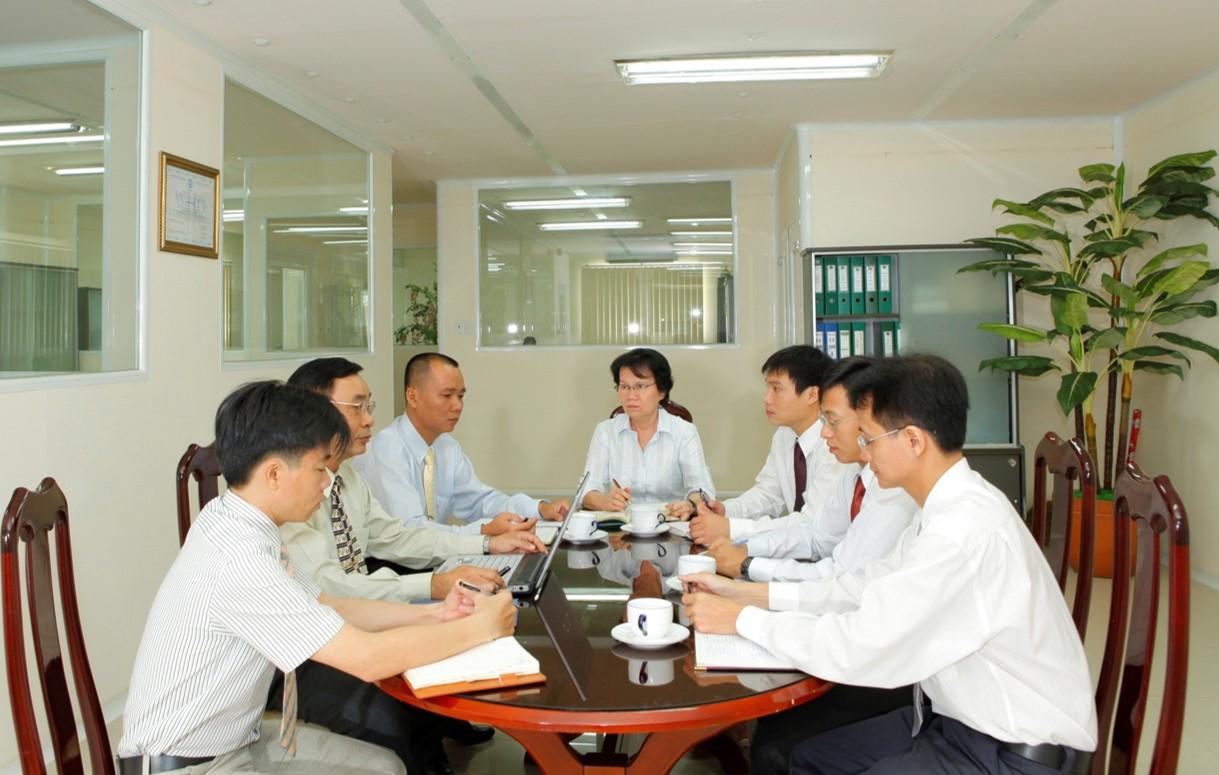 Các trưởng bộ phận của công ty TNHH Quốc Minh
